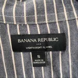 Banana Republic Shirts - Banana Republic Lightweight Flanel Striped Shirt